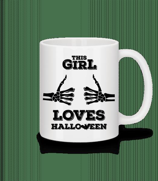 Tato dívka miluje Halloween - Keramický hrnek - Bílá - Napřed