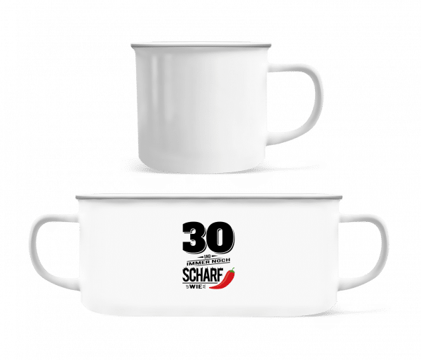 30 Und Scharf Wie Chili - Emaille-Tasse - Weiß - Vorn