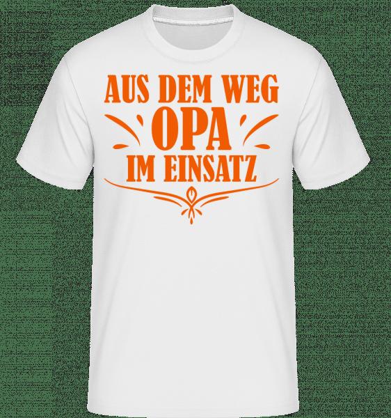 Aus Dem Weg Opa Im Einsatz - Shirtinator Männer T-Shirt - Weiß - Vorn